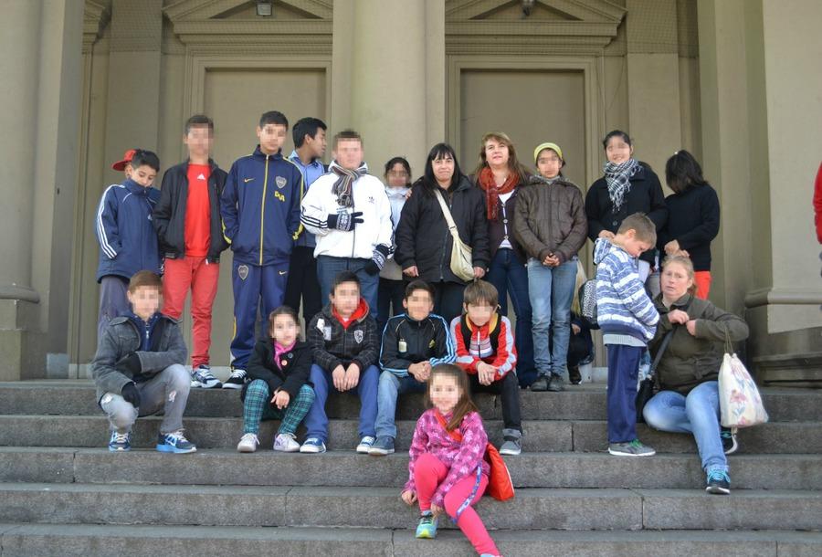 """Los chicos del comedor """"Las Tablitas"""" visitaron el Museo de Física y la Facultad de Informática"""